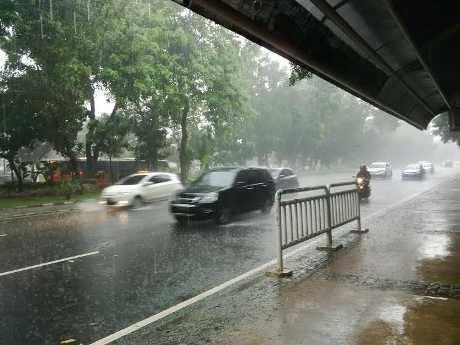 motor hujan (2)